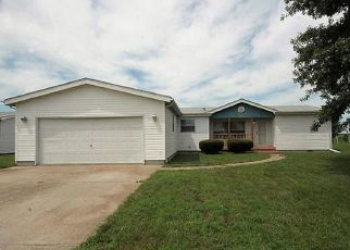 Pre Foreclosure in New Baden 62265 MARGARET CT - Property ID: 1633326964