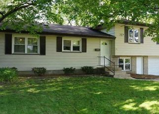 Pre Foreclosure in Peoria 61604 W NEWMAN PKWY - Property ID: 1633364618