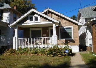 Pre Foreclosure in Peoria 61604 W CLARKE AVE - Property ID: 1633369887