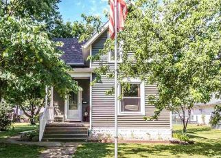Pre Foreclosure in Henry 61537 MARKET ST - Property ID: 1633377760