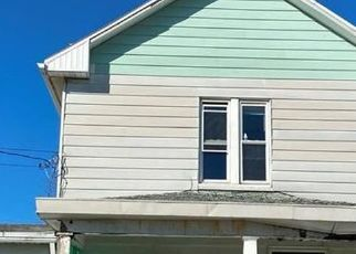 Pre Foreclosure in Connellsville 15425 W MURPHY AVE - Property ID: 1633423301