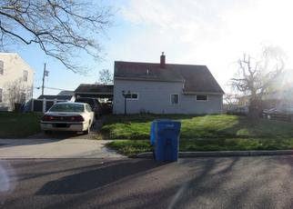 Pre Foreclosure in Levittown 19055 CROSSWOOD LN - Property ID: 1633462281