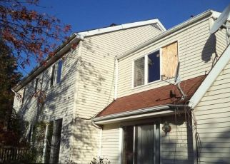 Pre Foreclosure in Pittstown 08867 COUNTY ROAD 513 - Property ID: 1633493827