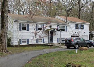 Pre Foreclosure in Killingworth 06419 CHITTENDEN RD - Property ID: 1633638793