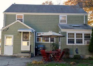 Pre Foreclosure in Stratford 06614 BROADBRIDGE AVE - Property ID: 1633732964