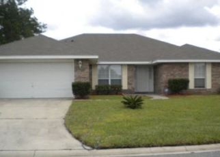 Pre Foreclosure in Jacksonville 32221 TAYLOR HILL DR - Property ID: 1633979538