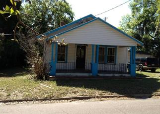 Pre Foreclosure in Jacksonville 32208 E 60TH ST - Property ID: 1634021129