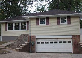 Pre Foreclosure in East Brunswick 08816 SUMMERHILL RD - Property ID: 1634763506