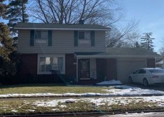 Pre Foreclosure in Lansing 48911 STRATFORD AVE - Property ID: 1635001319
