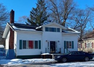 Pre Foreclosure in Muskegon 49442 HOYT ST - Property ID: 1635002644