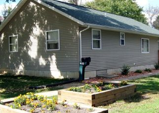 Pre Foreclosure in Macomb 61455 W MURRAY ST - Property ID: 1635106887