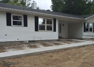 Pre Foreclosure in Macomb 61455 STADIUM DR - Property ID: 1635126590