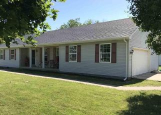 Pre Foreclosure in Dewitt 61735 PARIS ST - Property ID: 1635150232