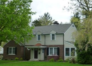Pre Foreclosure in Reading 19609 GRANDVIEW BLVD - Property ID: 1635473460