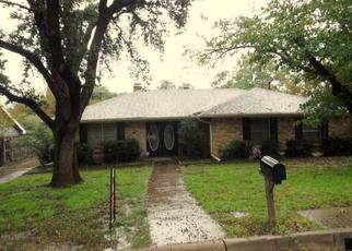 Pre Foreclosure in Arlington 76012 GOLIAD DR - Property ID: 1635648659