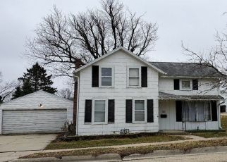 Pre Foreclosure in Lanark 61046 W LOCUST ST - Property ID: 1636015224