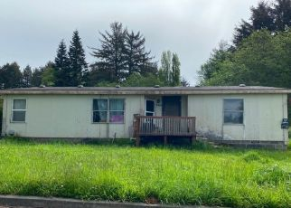 Pre Foreclosure in Crescent City 95531 HILL ST - Property ID: 1636261373