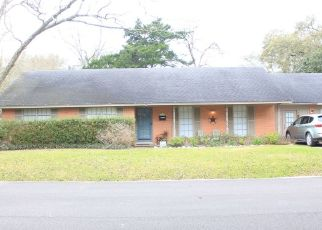 Pre Foreclosure in Alvin 77511 S LEE ST - Property ID: 1636528547