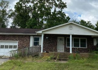 Pre Foreclosure in Knoxville 37920 KIMBERLIN HEIGHTS RD - Property ID: 1636543434