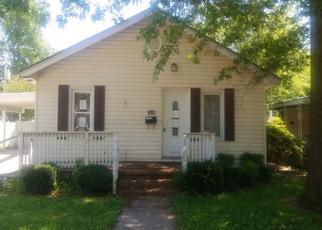 Pre Foreclosure in Sikeston 63801 VERNON AVE - Property ID: 1637256902