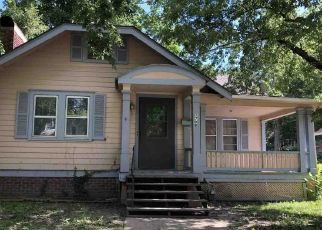 Pre Foreclosure in Topeka 66604 SW 15TH ST - Property ID: 1637412370