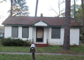 Pre Foreclosure in Jacksonville 32208 4TH AVE - Property ID: 1637491197