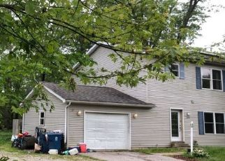 Pre Foreclosure in Chesterton 46304 WOOD ST - Property ID: 1637503918