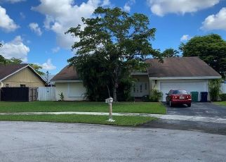 Pre Foreclosure in Miami 33186 SW 115TH TER - Property ID: 1638059704