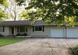 Pre Foreclosure in Hominy 74035 S PETTIT AVE - Property ID: 1639130998