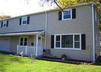 Pre Foreclosure in Rochester 14612 HAMPTON BLVD - Property ID: 1639141494