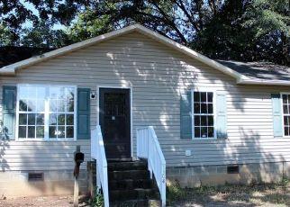 Pre Foreclosure in Greensboro 27403 W FLORIDA ST - Property ID: 1639215961