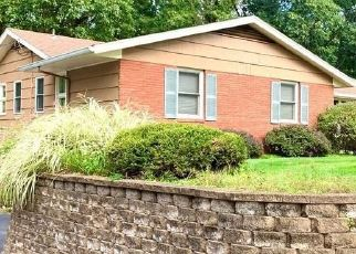 Pre Foreclosure in Pittsford 14534 ROLLINGWOOD DR - Property ID: 1639505900