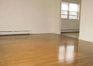 Pre Foreclosure in Oak Park 60302 S MAPLE AVE - Property ID: 1639687203