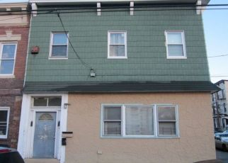 Pre Foreclosure in Ozone Park 11416 95TH AVE - Property ID: 1640301693