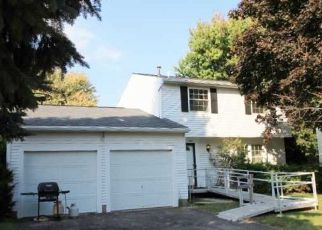 Pre Foreclosure in Rochester 14626 ROUND POND LN - Property ID: 1641643197