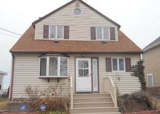 Pre Foreclosure in Rochester 14612 EDGEMERE DR - Property ID: 1641882784