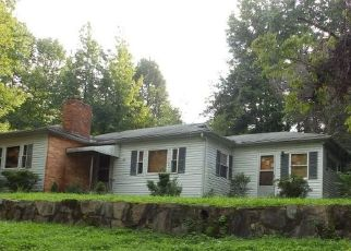 Pre Foreclosure in Tryon 28782 HIDDEN HILL RD - Property ID: 1642367167