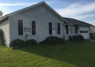 Pre Foreclosure in Jacksonville 28546 HUNTING GREEN DR - Property ID: 1642404400