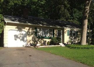 Pre Foreclosure in Gales Ferry 06335 LAUREL LEAF DR - Property ID: 1642597545