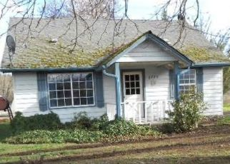 Pre Foreclosure in Grants Pass 97527 WILLIAMS HWY - Property ID: 1643015819