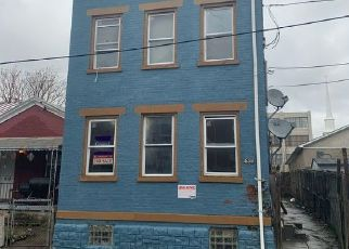 Pre Foreclosure in Newport 41071 ROBERTS ST - Property ID: 1643250566