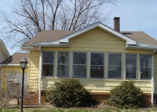 Pre Foreclosure in Vincennes 47591 N 12TH ST - Property ID: 1643854981