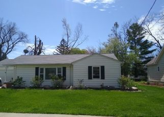 Pre Foreclosure in Grinnell 50112 8TH AVE - Property ID: 1643960522