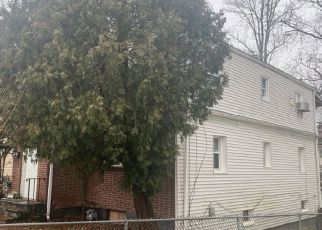 Pre Foreclosure in Stamford 06902 WEST AVE - Property ID: 1644343305