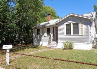 Pre Foreclosure in Jacksonville 32208 W 61ST ST - Property ID: 1644786537