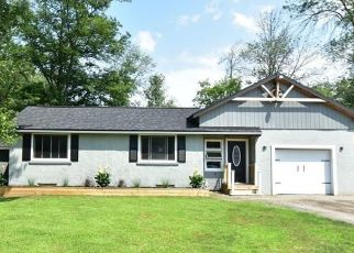 Pre Foreclosure in Webster 14580 GRAVEL RD - Property ID: 1644803622