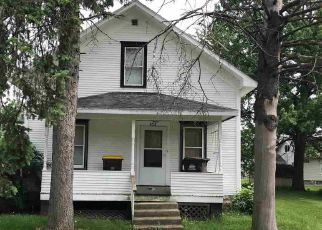 Pre Foreclosure in Lena 61048 S RANTOUL ST - Property ID: 1644810637