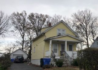 Pre Foreclosure in Avenel 07001 DEMOREST AVE - Property ID: 1645063786