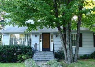 Pre Foreclosure in Charlottesville 22901 DOMINION DR - Property ID: 1645244665
