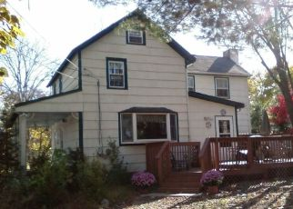 Pre Foreclosure in Lincoln Park 07035 NORTHWEST ST - Property ID: 1645813590